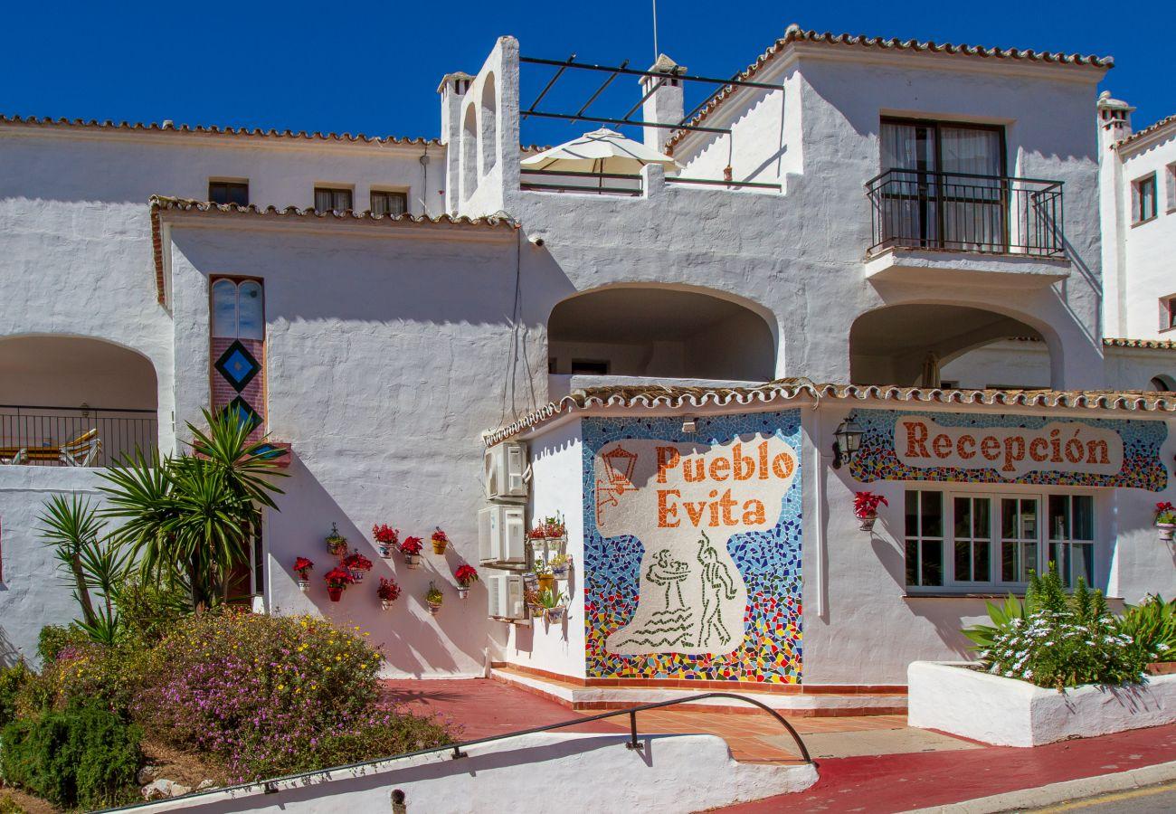 Ferielejlighed i Benalmadena - Pueblo Evita III, Benalmadena - 3 SOVEVÆR / 2 BAD, terrasse, havudsigt