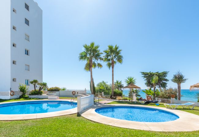 i Mijas Costa - Algaida Beach Apartment, Calahonda de Mijas